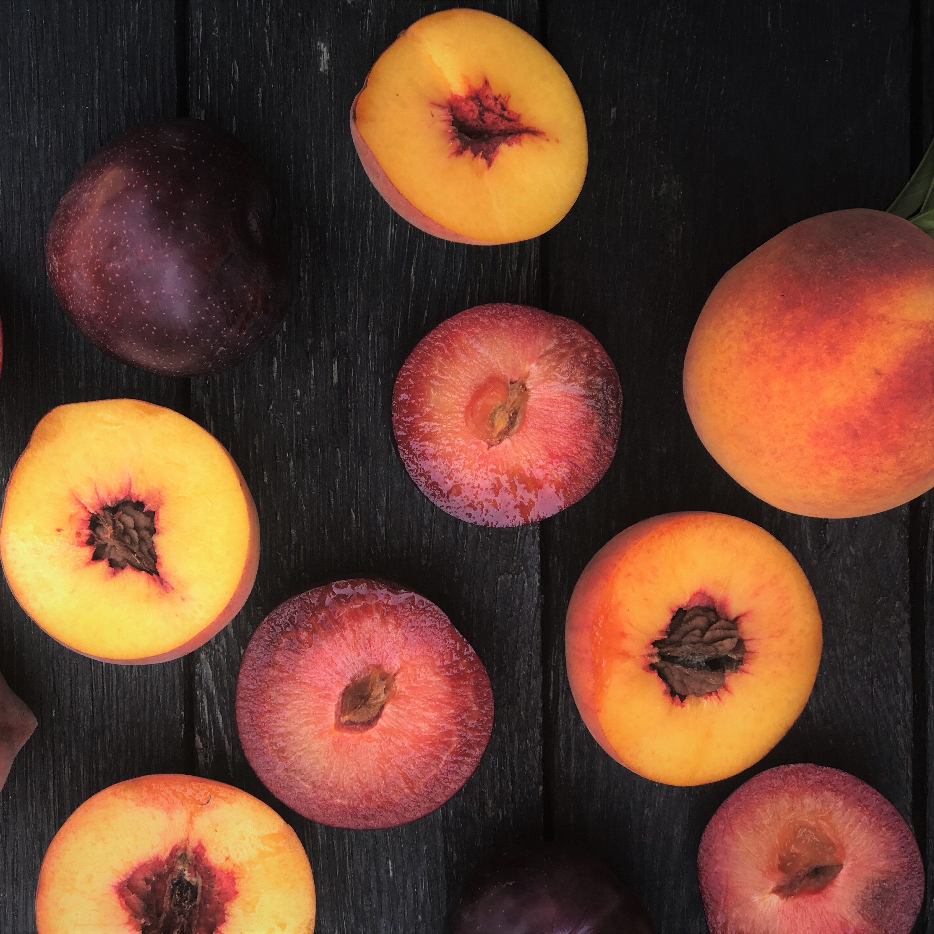 Cal Red - Flavor King Box ⎥ Organic Peaches & Pluots
