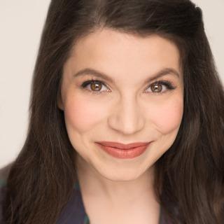 Phoebe González