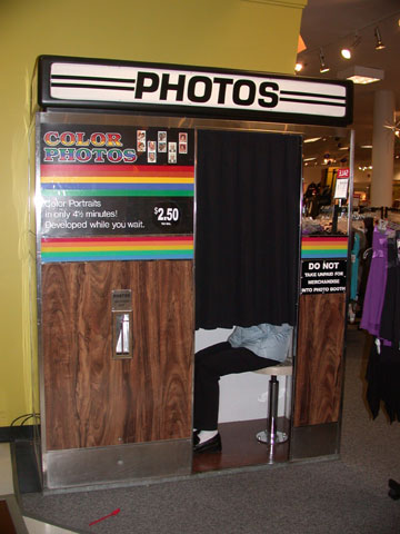 Old School mall photo booth