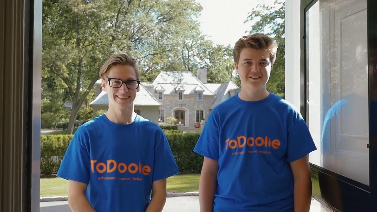 Two ToDoolie Helpers