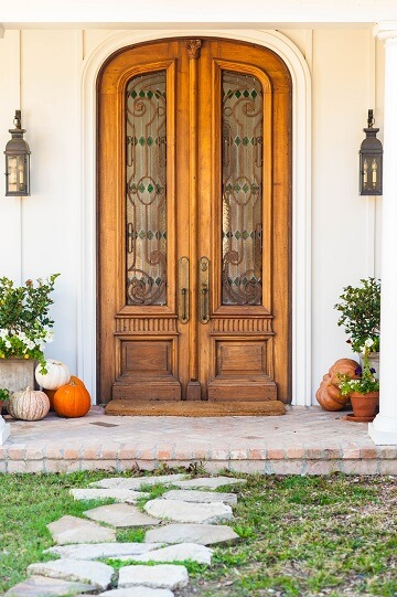 The front yard and door to a house