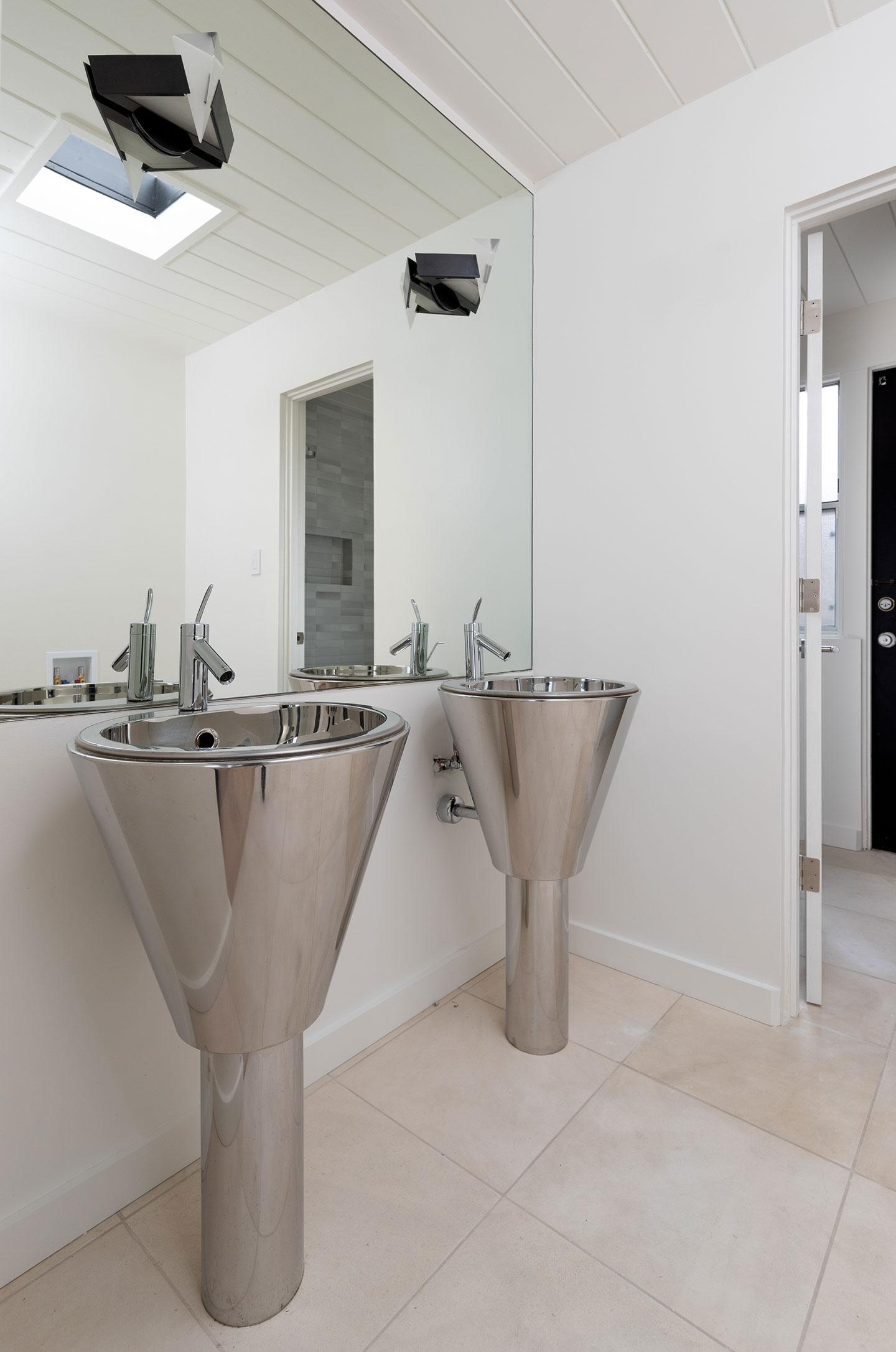 industrial bathroom sinks
