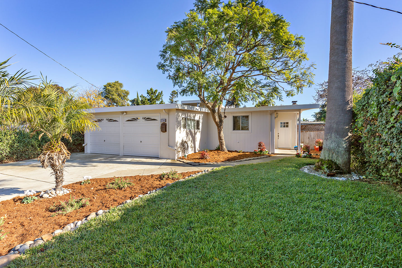 double car garage door with front home overview