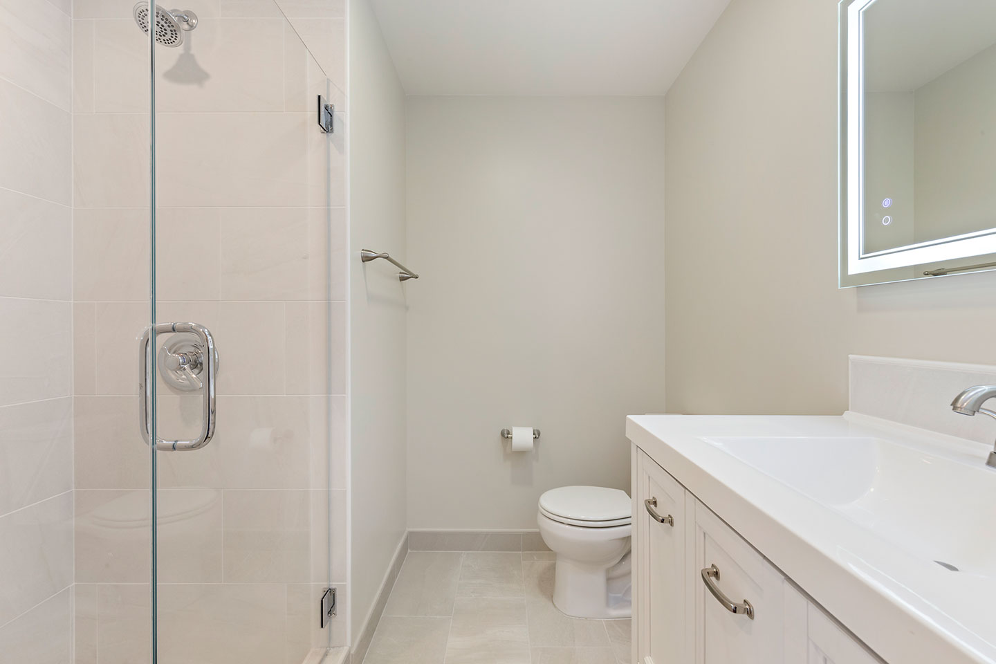 bathroom overview with smart mirror
