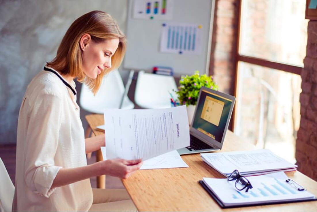 payroll woman staffing