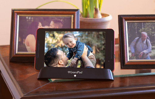 GrandPad as a digital photo frame