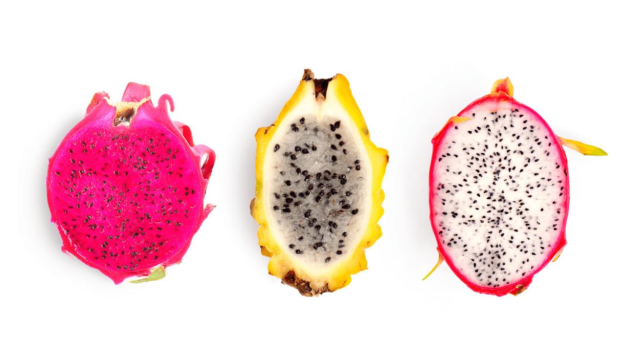 foto de pitayas cortadas ao meio