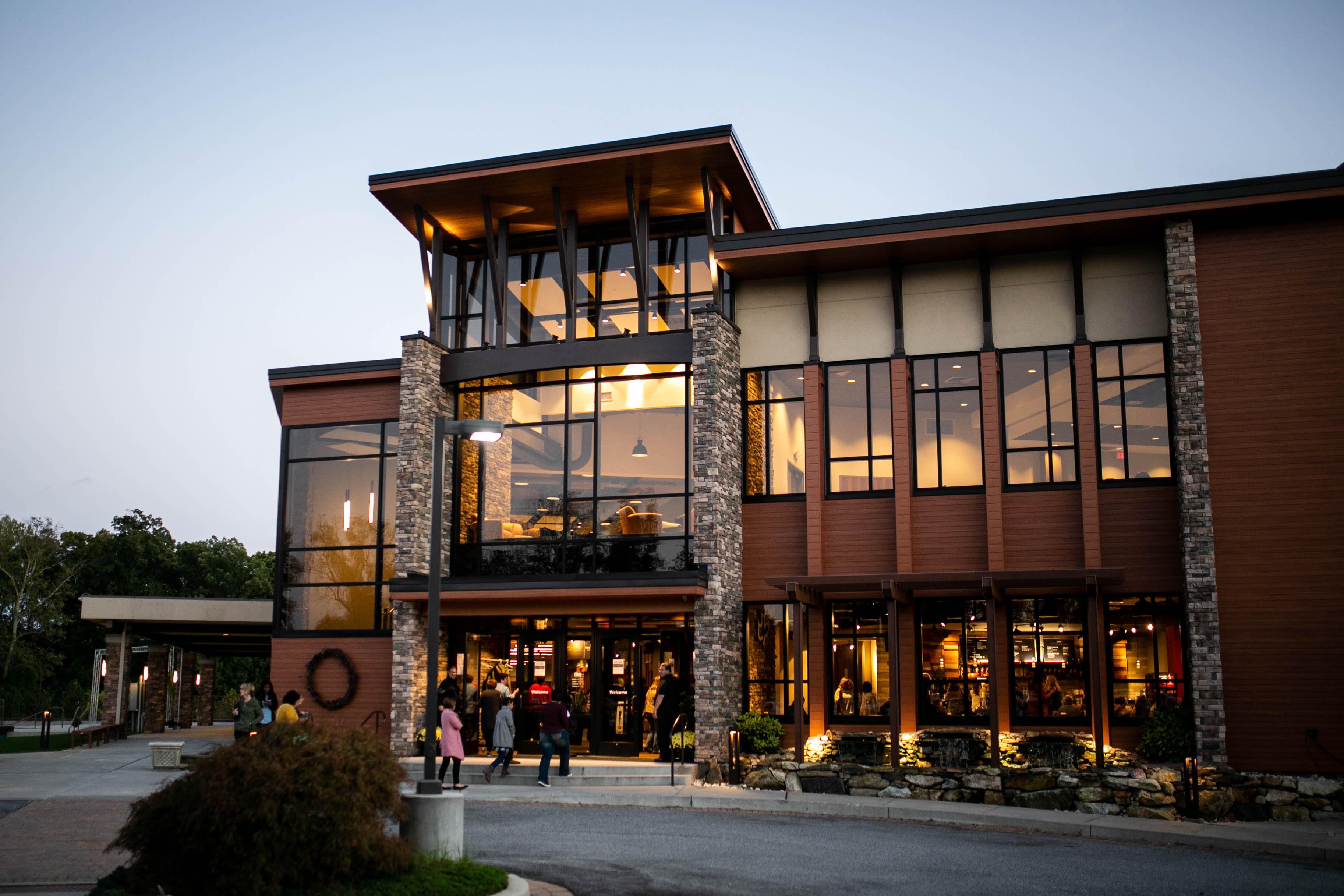 Outside image of Calvary Chapel Delaware County's Chadds Ford location.