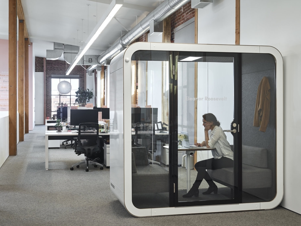 Phonebooth and office pods will be a 2020 workplace trend
