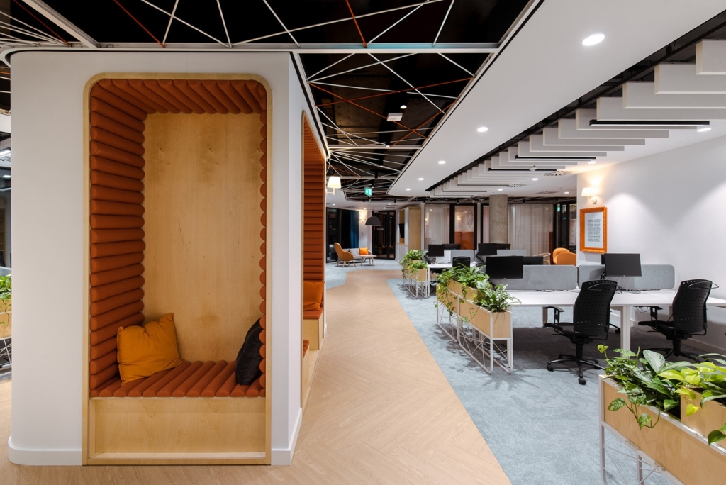 Flexible open offices will be a popular 2020 workplace trend