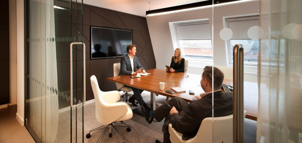 Unispace huddle room in an activity-based working environment