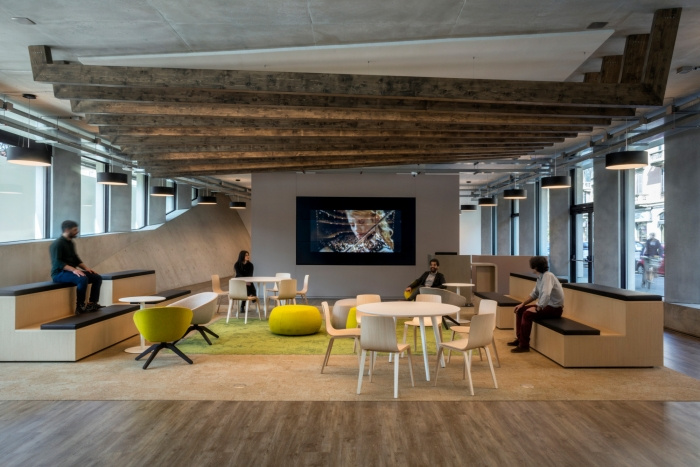 office-snapshots-microsoft-house-offices-milan-DEGW-6-700x467