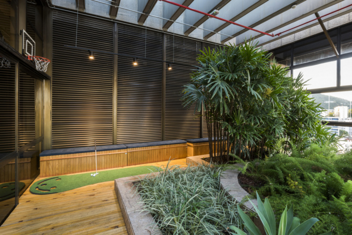 Management consulting firm biophilic office design