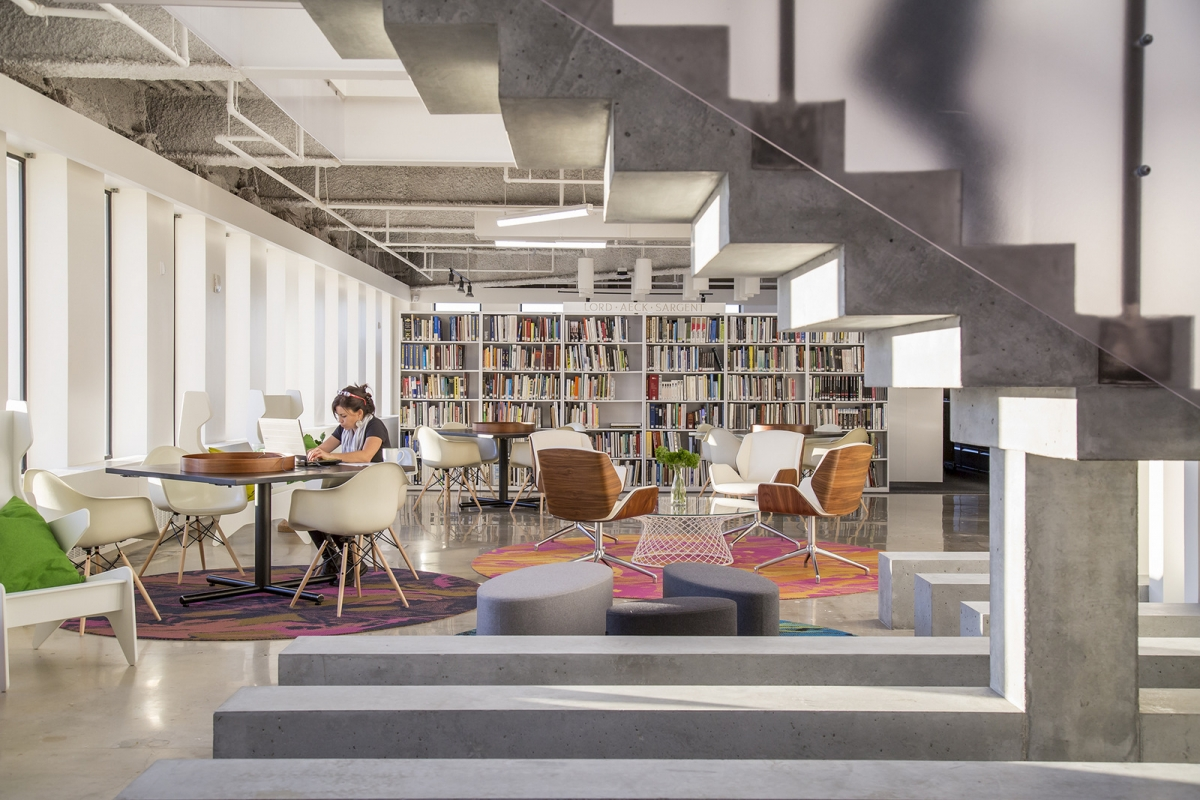 An office library for activity-based working in an open office layout