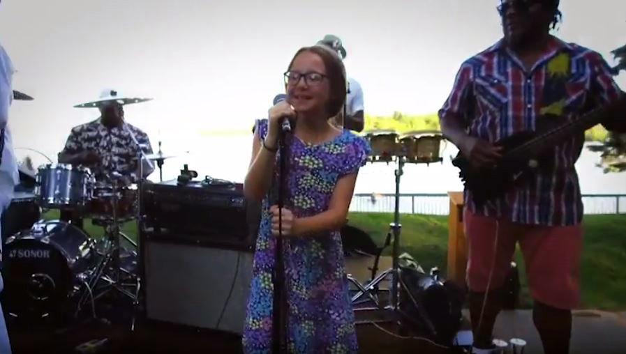 Frankie performing