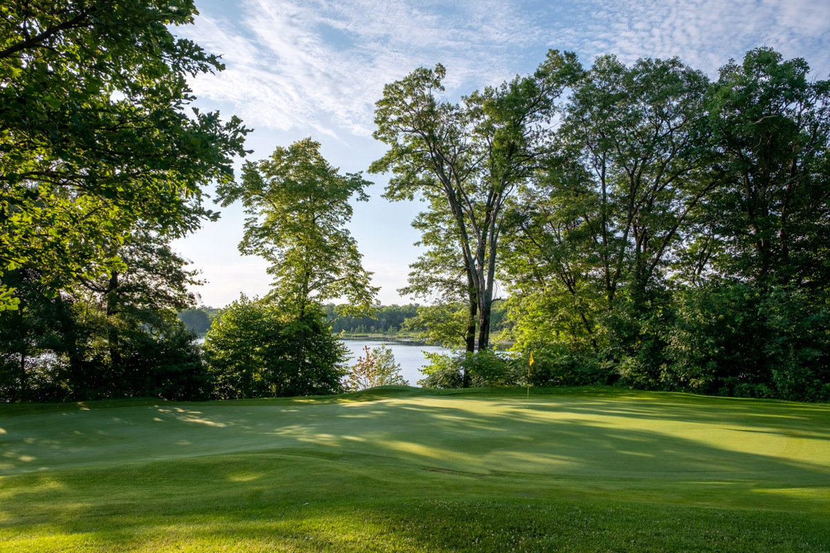 Jack's 18 golf course