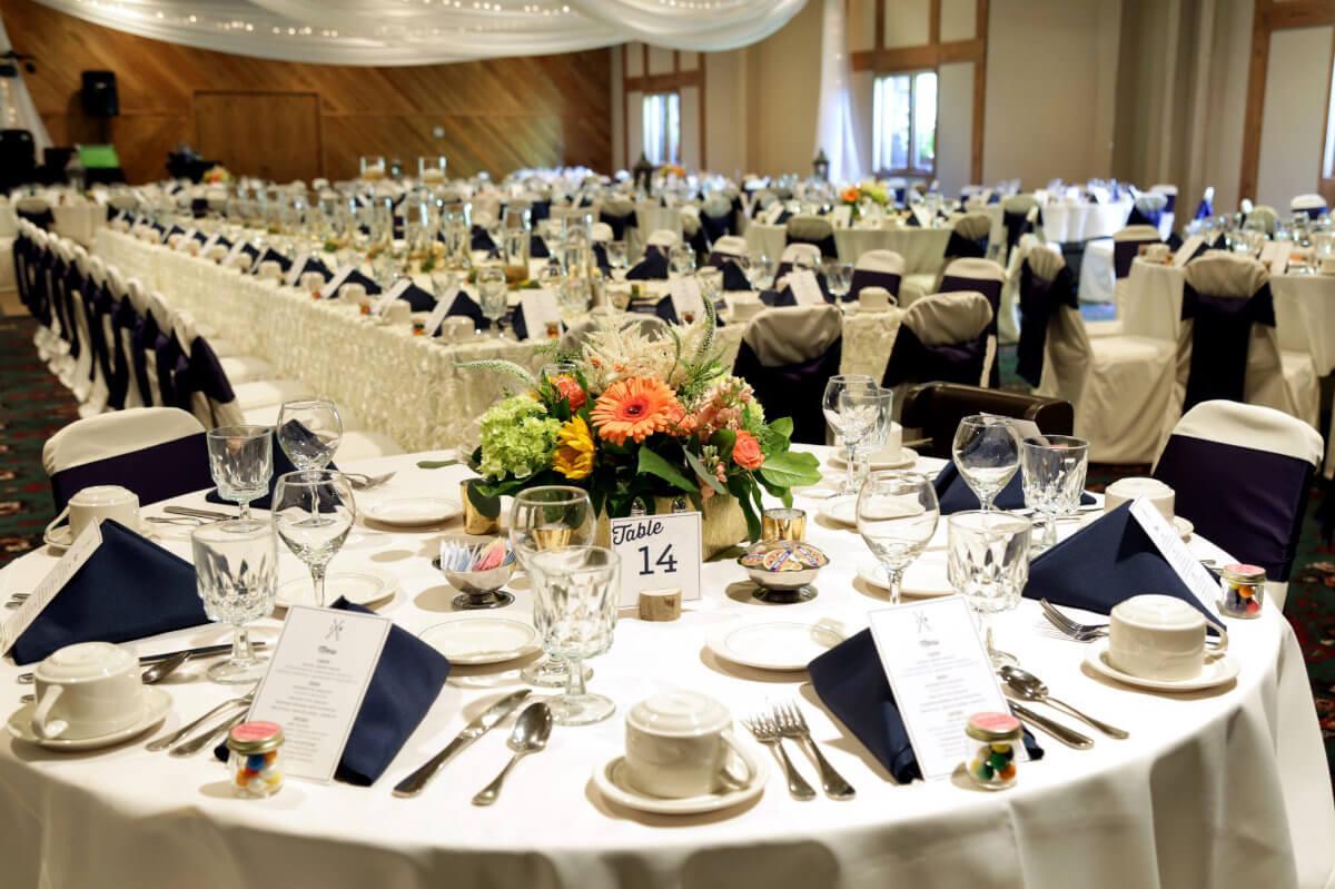 Ruttger's wedding reception tables