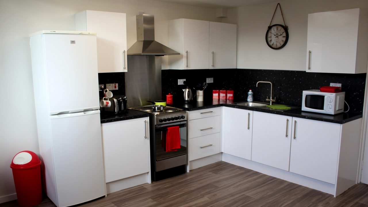 6-bed Flat