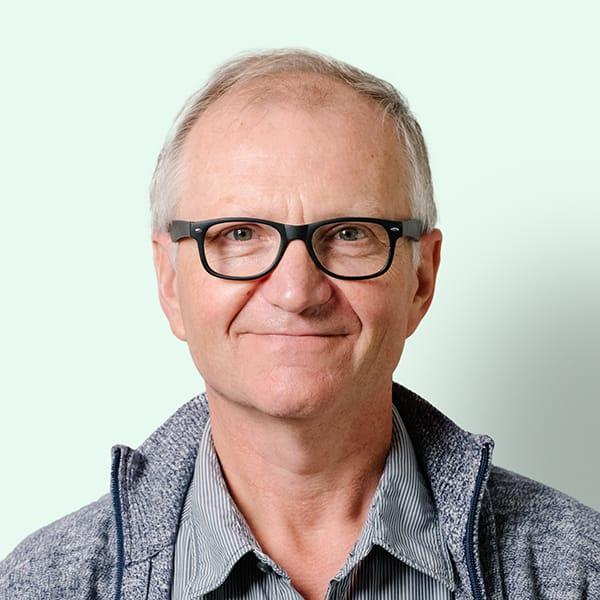 Profielfoto met groene achtergrond van Ten Anker teamlid Daniël Jonckheere