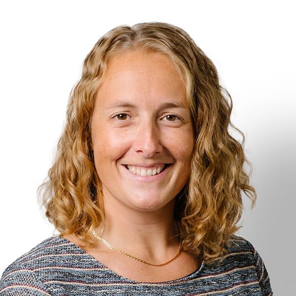 Profielfoto met witte achtergrond van Ten Anker teamlid Nathalie Vanmarcke (diëtiste en diabeteseducator)