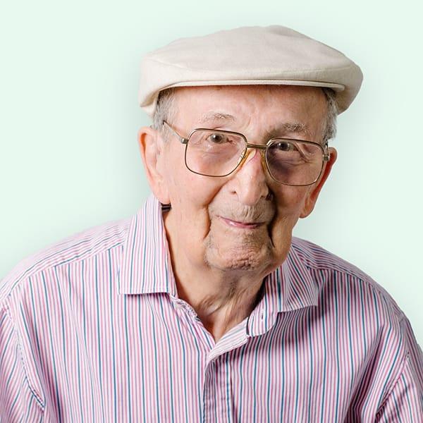 Profielfoto met groene achtergrond van een bewoner van Ten Anker