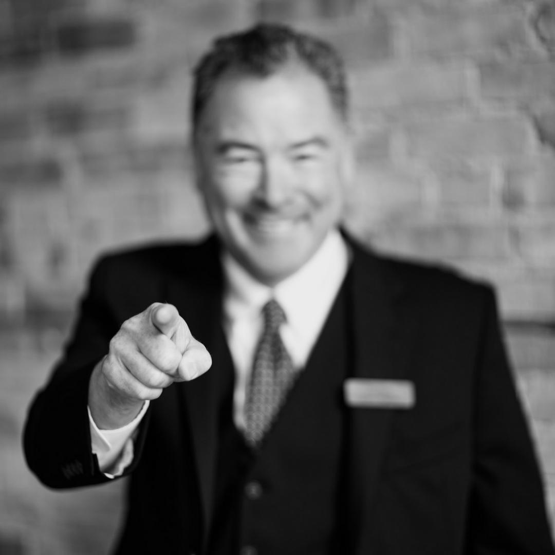 If you missed @HudsonMagic last week, he is back again TONIGHT! He wants YOU to join us at 7pm at the Resort! This event is FREE and OPEN TO THE PUBLIC! 🎩🐇🔮   Space is limited, call to reserve. 218.678.2885  #rblr #ruttgersbaylakeresort #deerwoodmn #cuyunalkakes #lakesproud #hudsonmagic