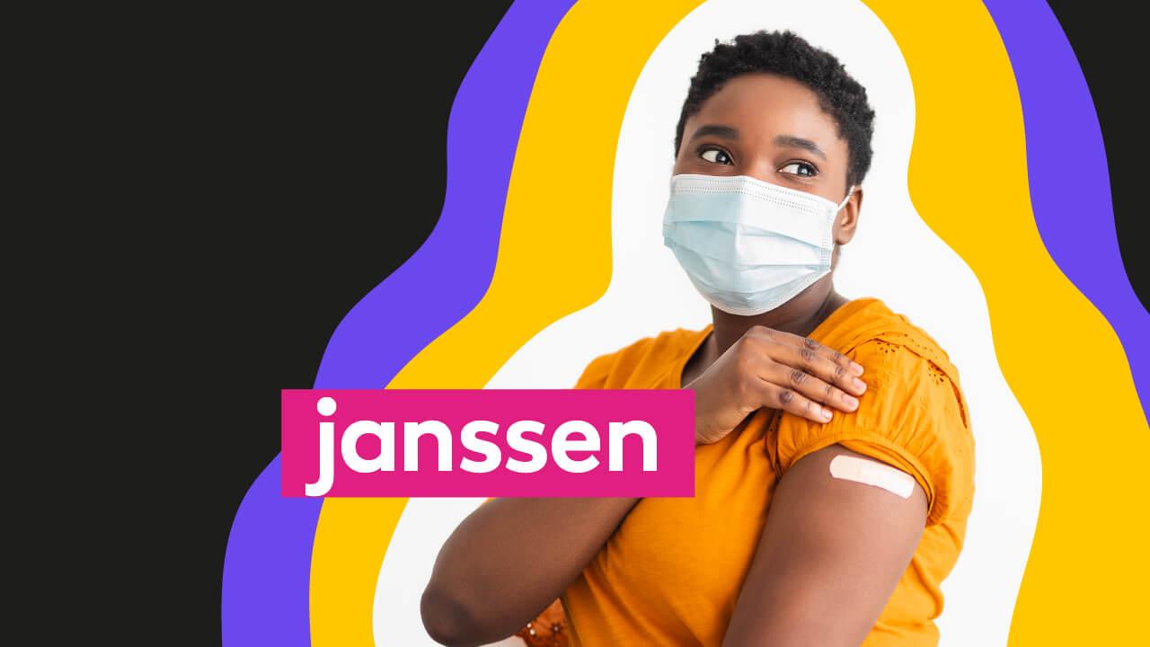 mulher de máscara tomando vacina da Janssen