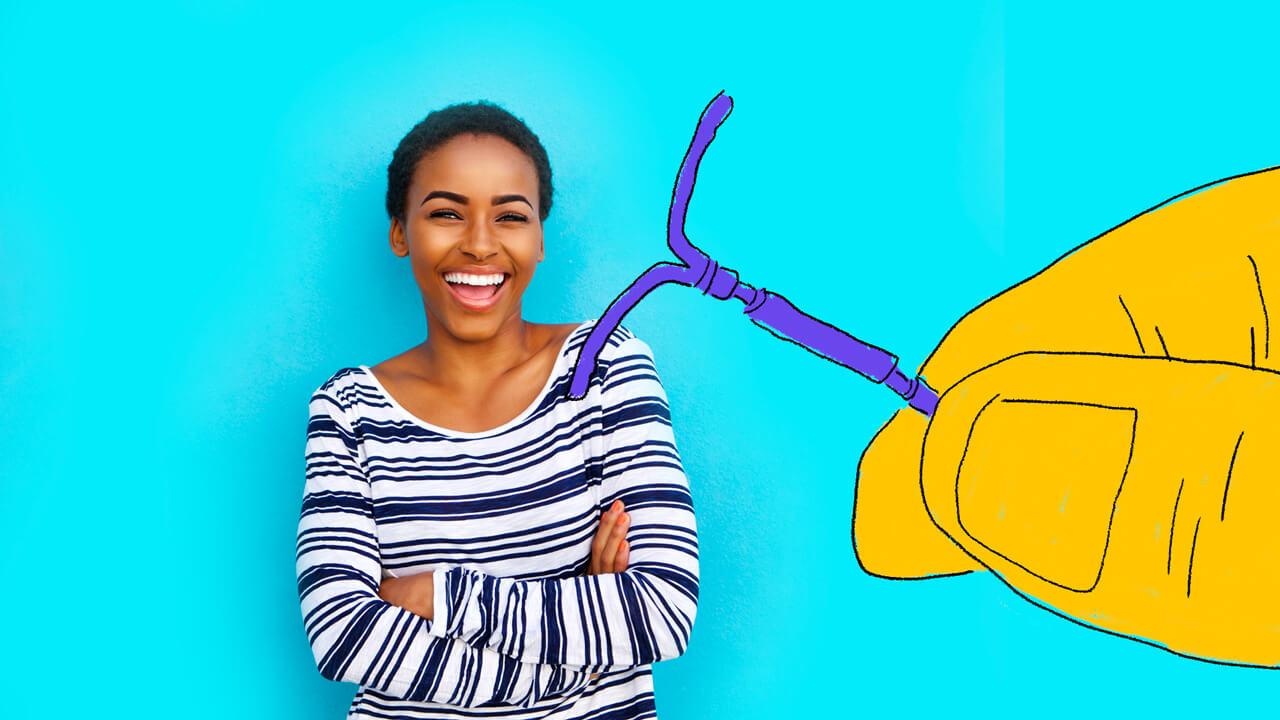 ilustração de uma mulher ao lado de um DIU