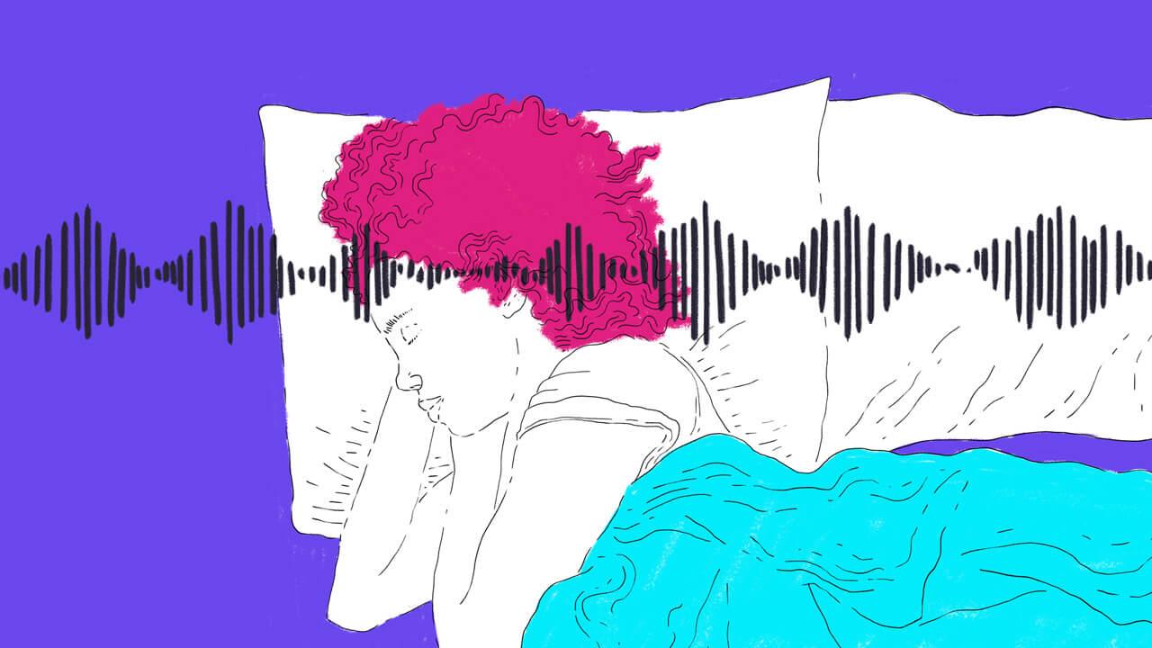 pessoa deitada ouvindo meditação guiada