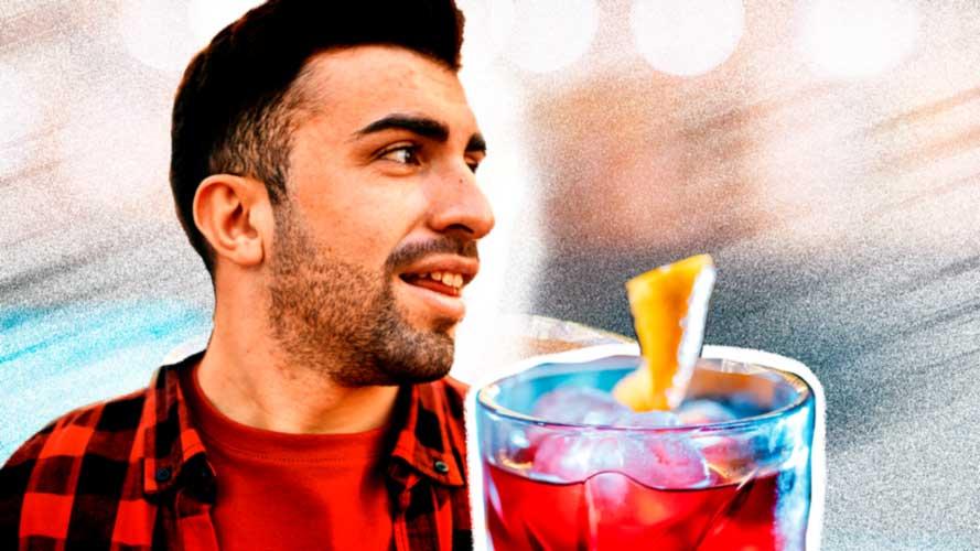 Imagem de um homem acompanhado por um copo de whisky e um movimento acelerado para ilustrar festas e comportamento de risco