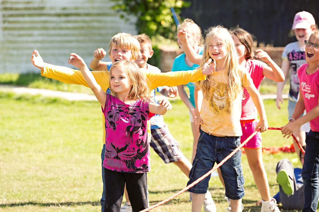 young children rope games