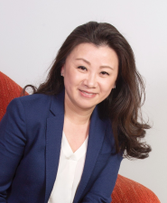 Portrait of Wendy Cai-Lee, Co-Founder & CEO of Piermont Bank