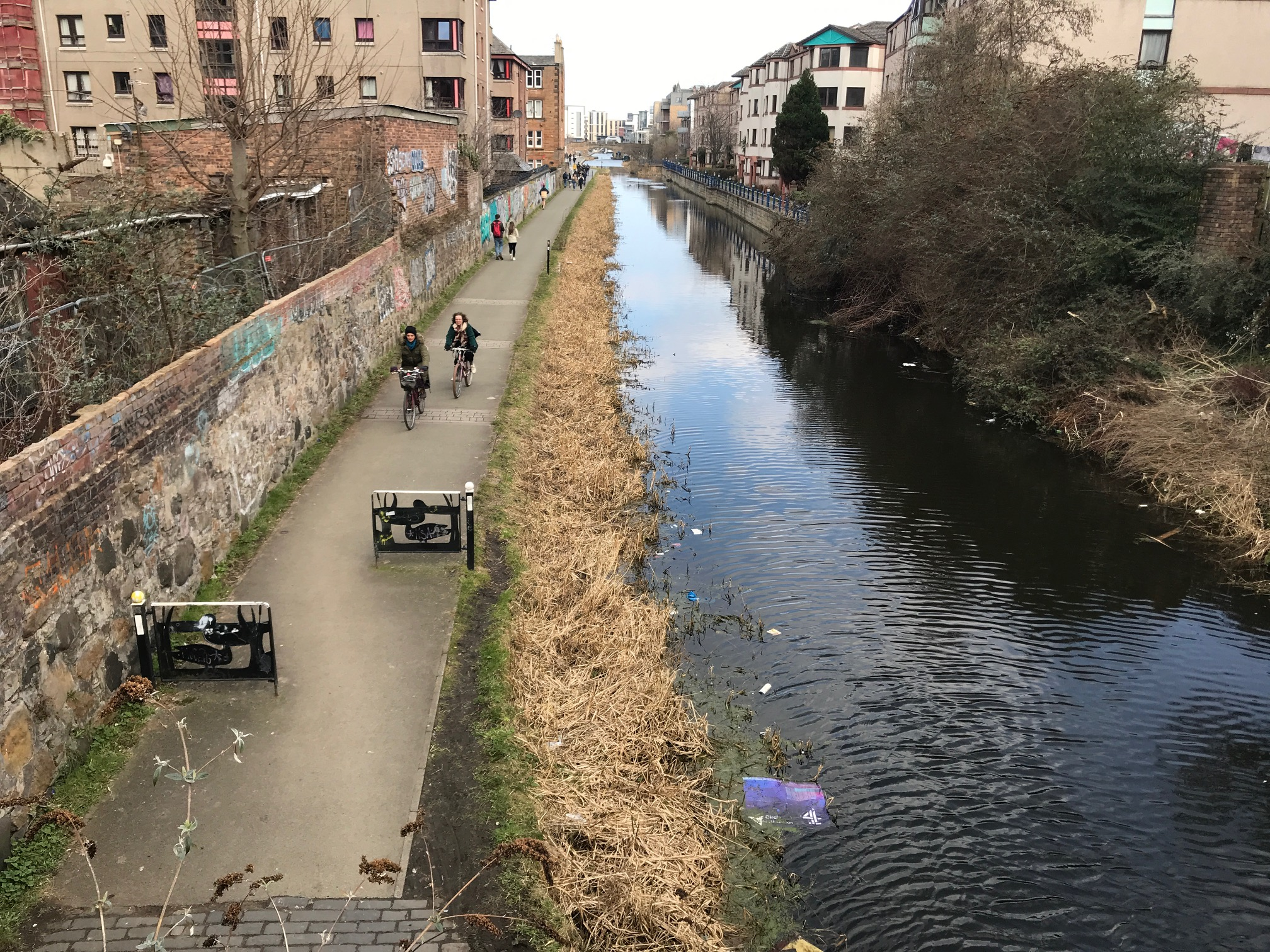 cycling-along-union-canal-polwarth