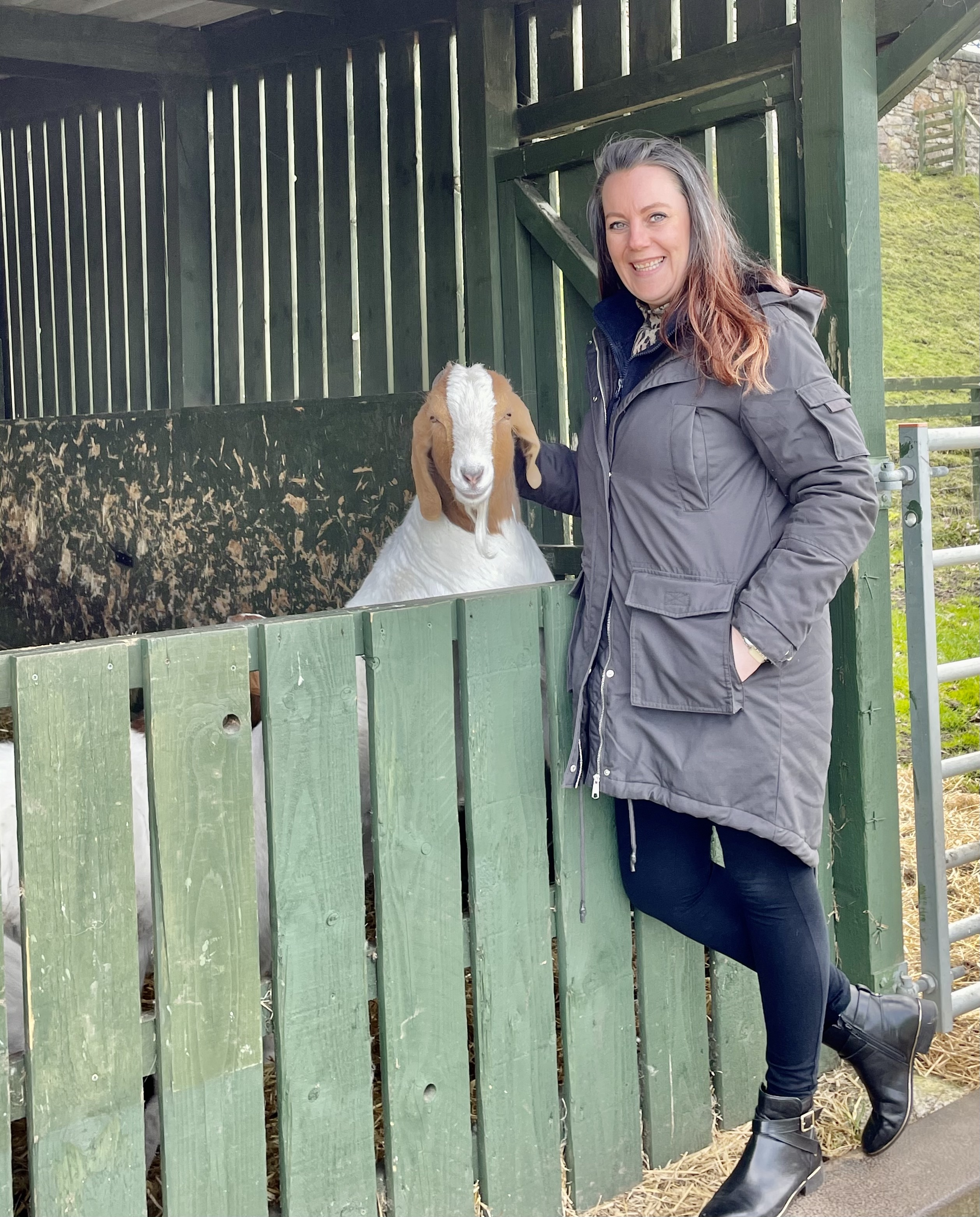 julie-o'donnell-with-a-goat