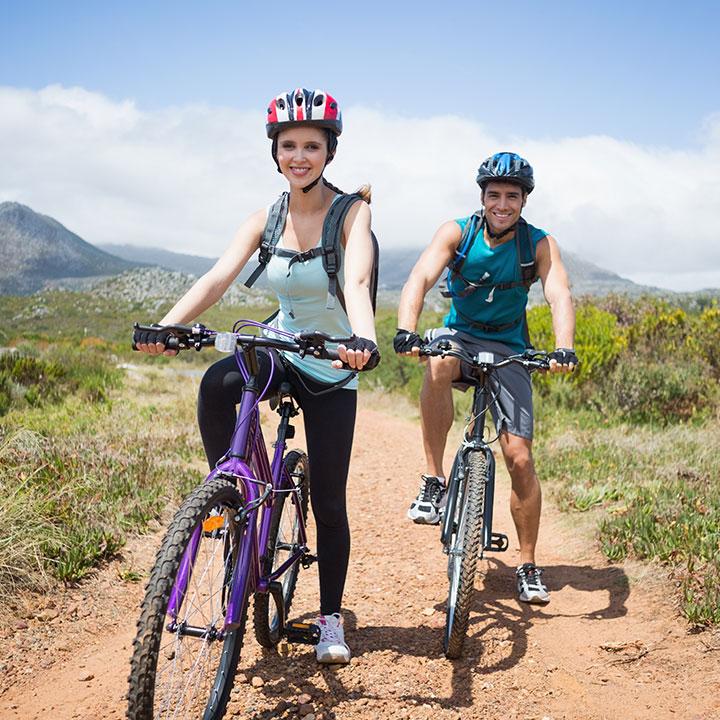 Jak się ubrać na rower i co zabrać na wyprawę rowerową