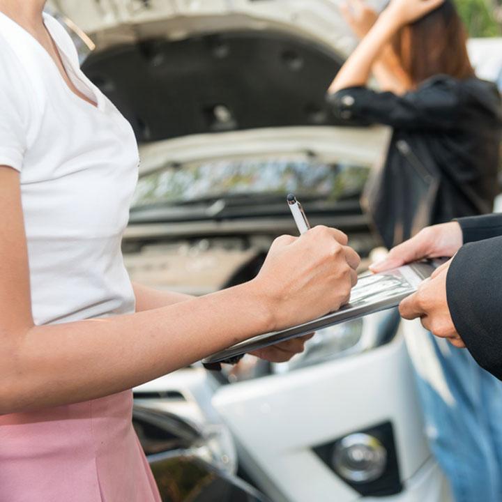 Stłuczka samochodowa – co robić?