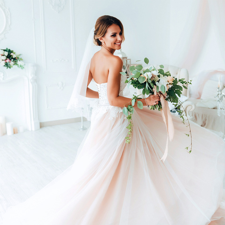 Ile kosztuje suknia ślubna i jak wybrać tę jedyną?