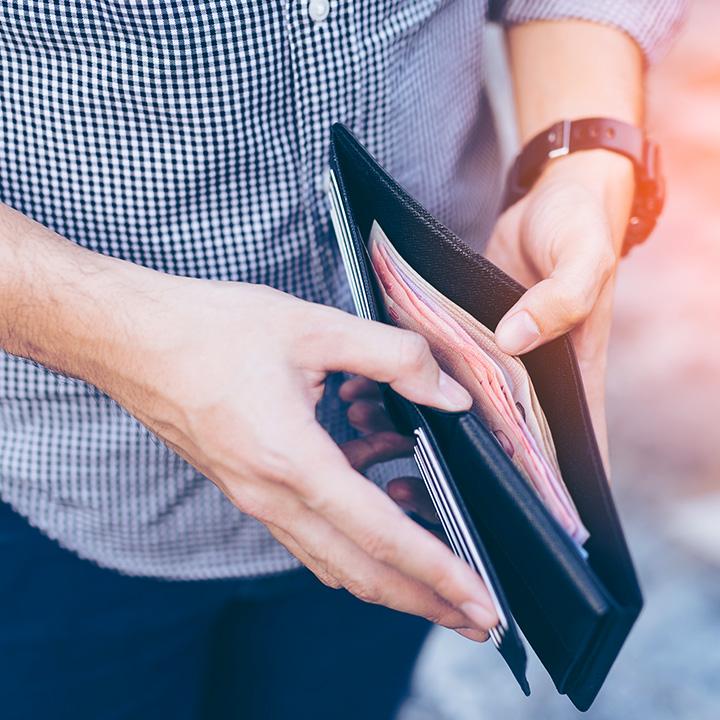 Co zrobić z podartym banknotem – wymiana zniszczonej waluty - Vivus.pl