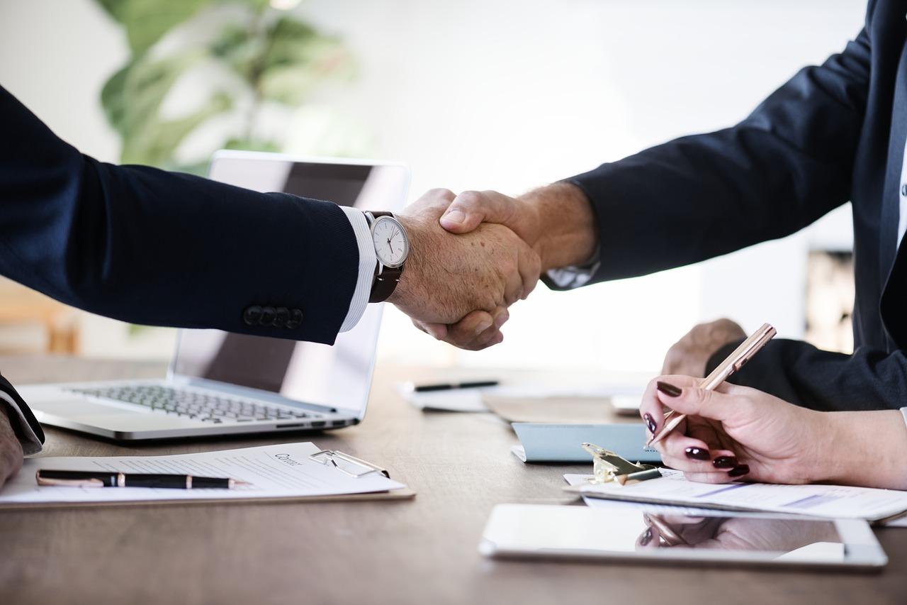 Pożyczkodawca - definicja podmiotu udzielającego pożyczek
