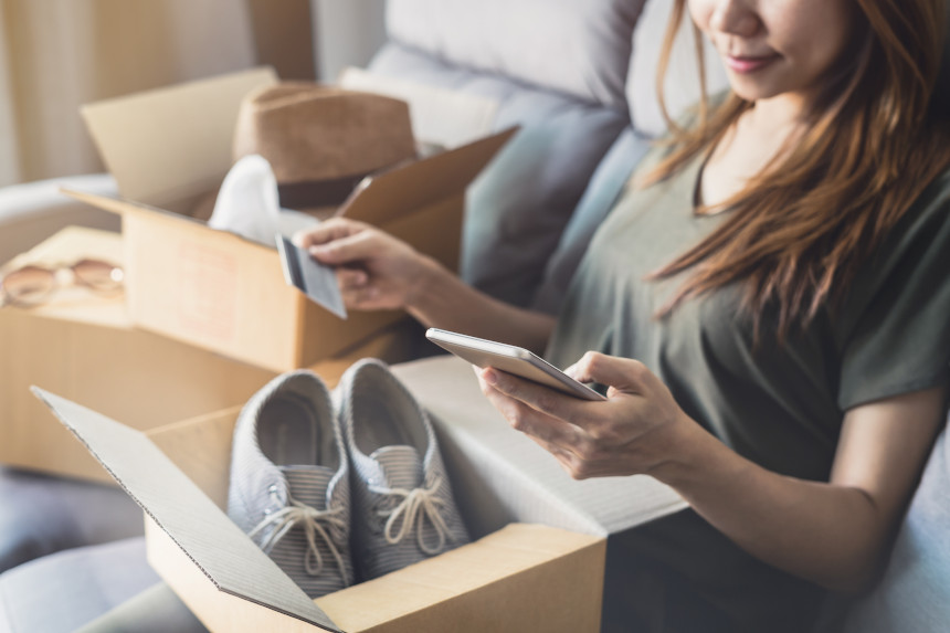 """Płatności odroczone w sklepach internetowych - co znaczy """"kup teraz, zapłać później""""?"""