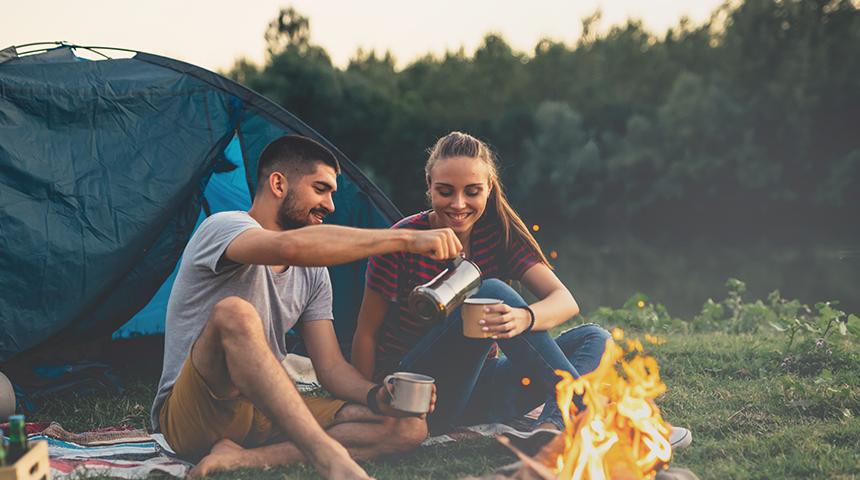 Co zabrać pod namiot? Lista niezbędnych rzeczy