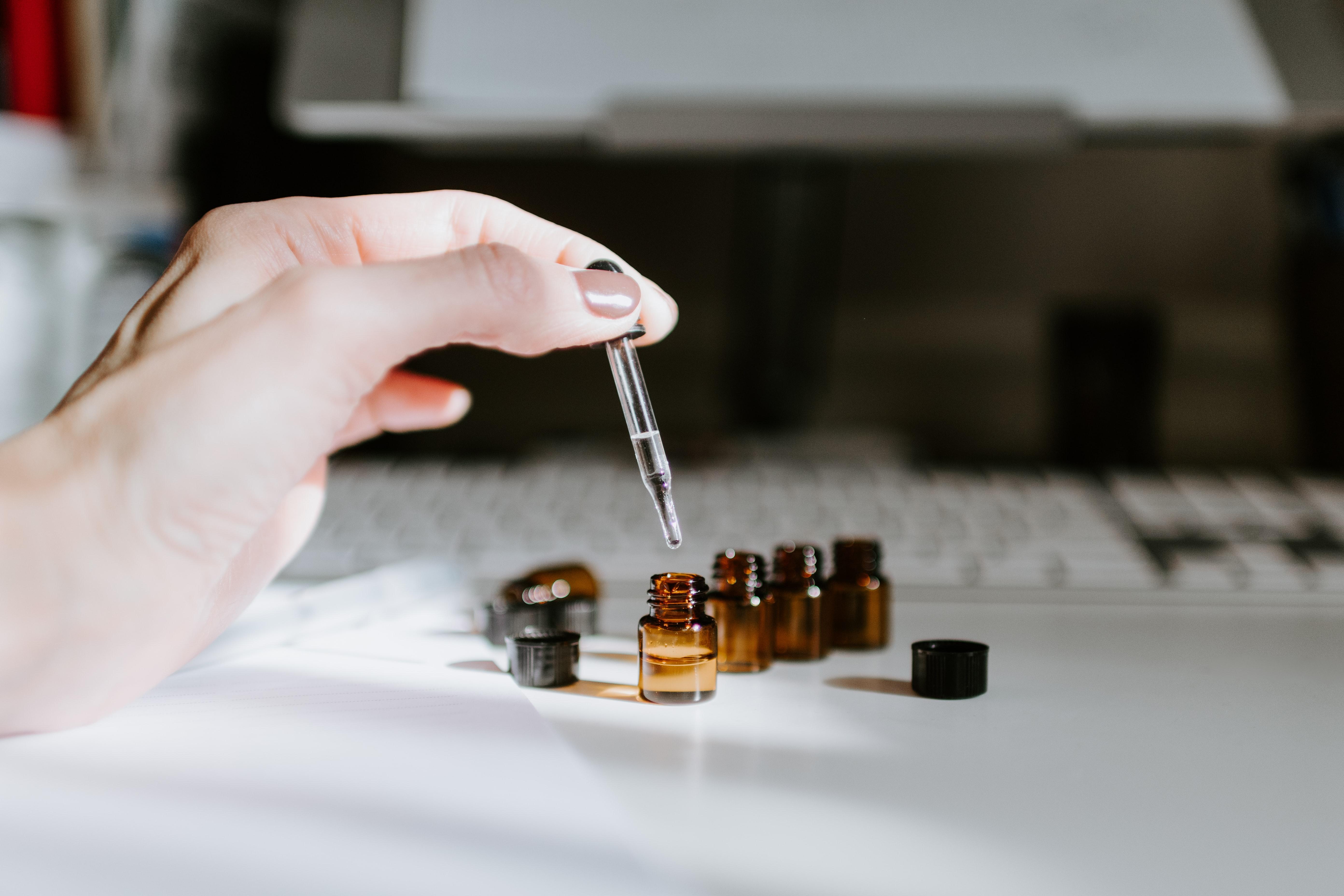 Préparation huiles essentielles