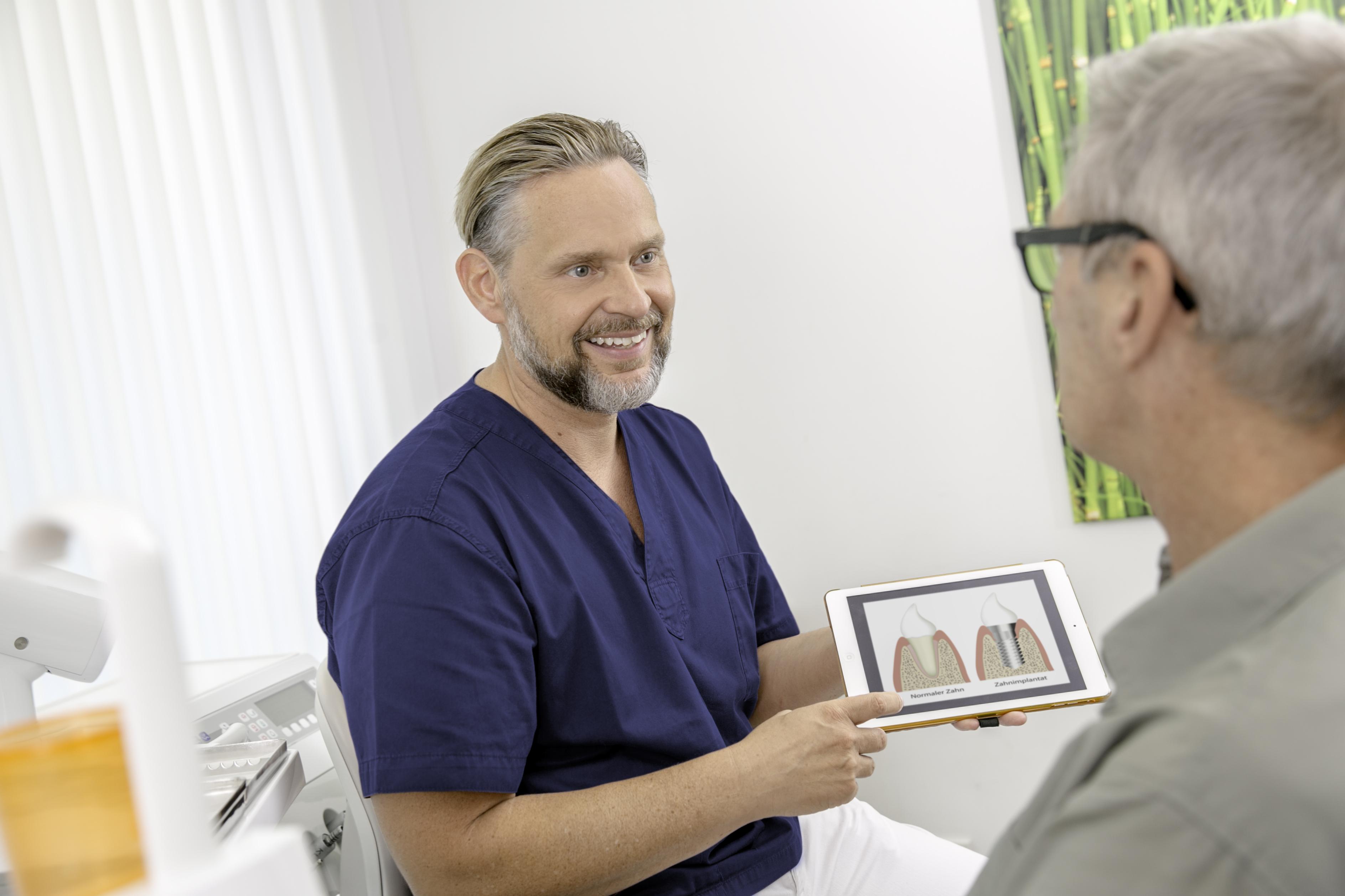 Implantologie Carree Dental MVZ Köln Dr. Jochen Schmidt