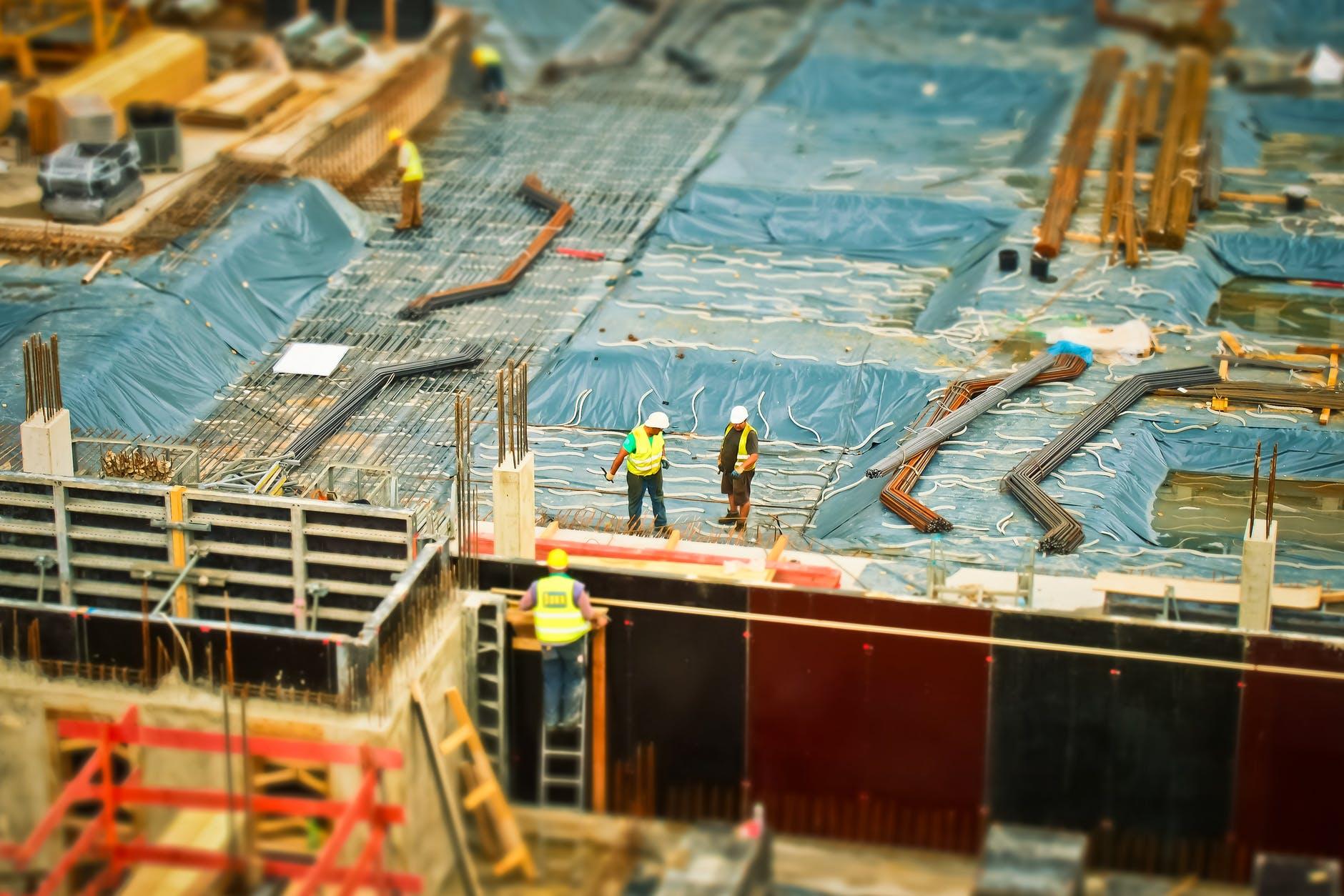 La construction redémarre en s'adaptant