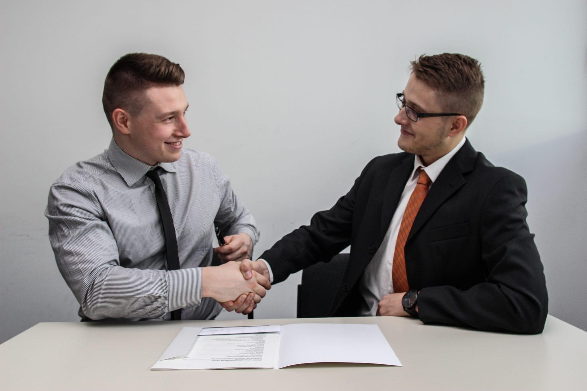 Vente d'un bien : faire appel à un agent immobilier ou un négociateur immobilier ?