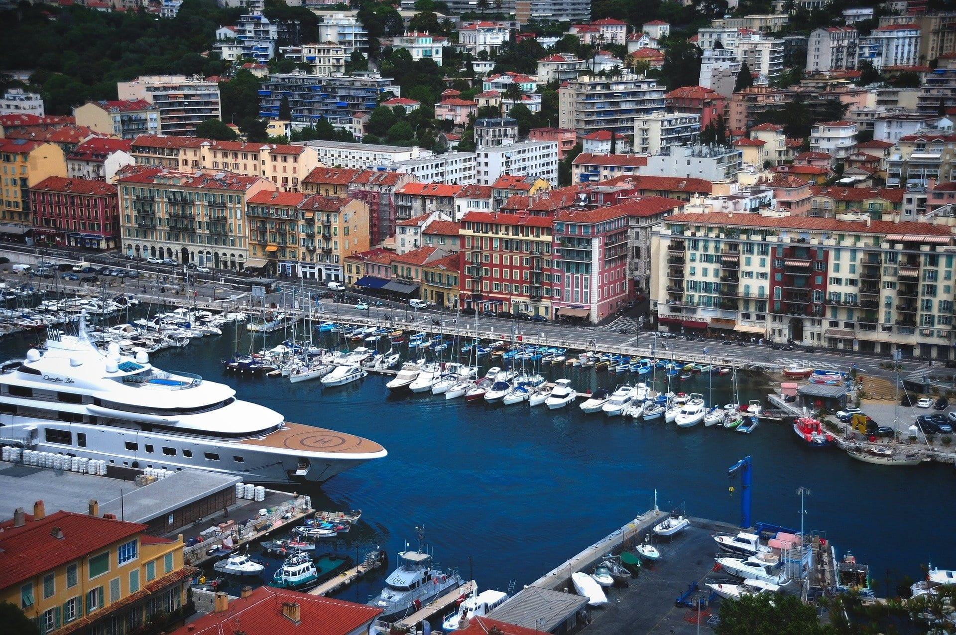 Vue sur... Le Port de Nice