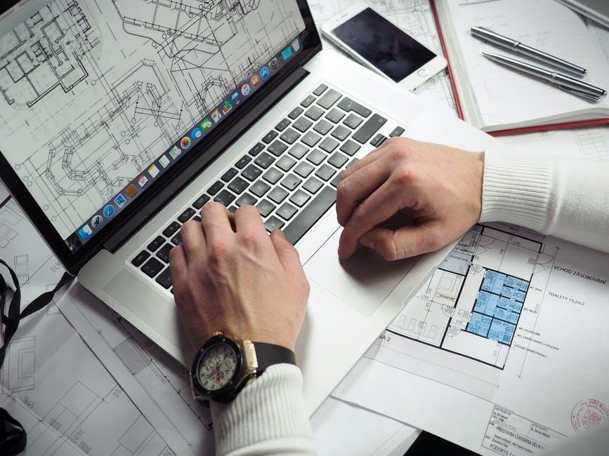 Avoir recours à un architecte coûte cher. Cependant, dans la plupart des cas, c'est fortement conseillé voire obligatoire. Découvrez les tarifs généralement pratiqués par les architectes.