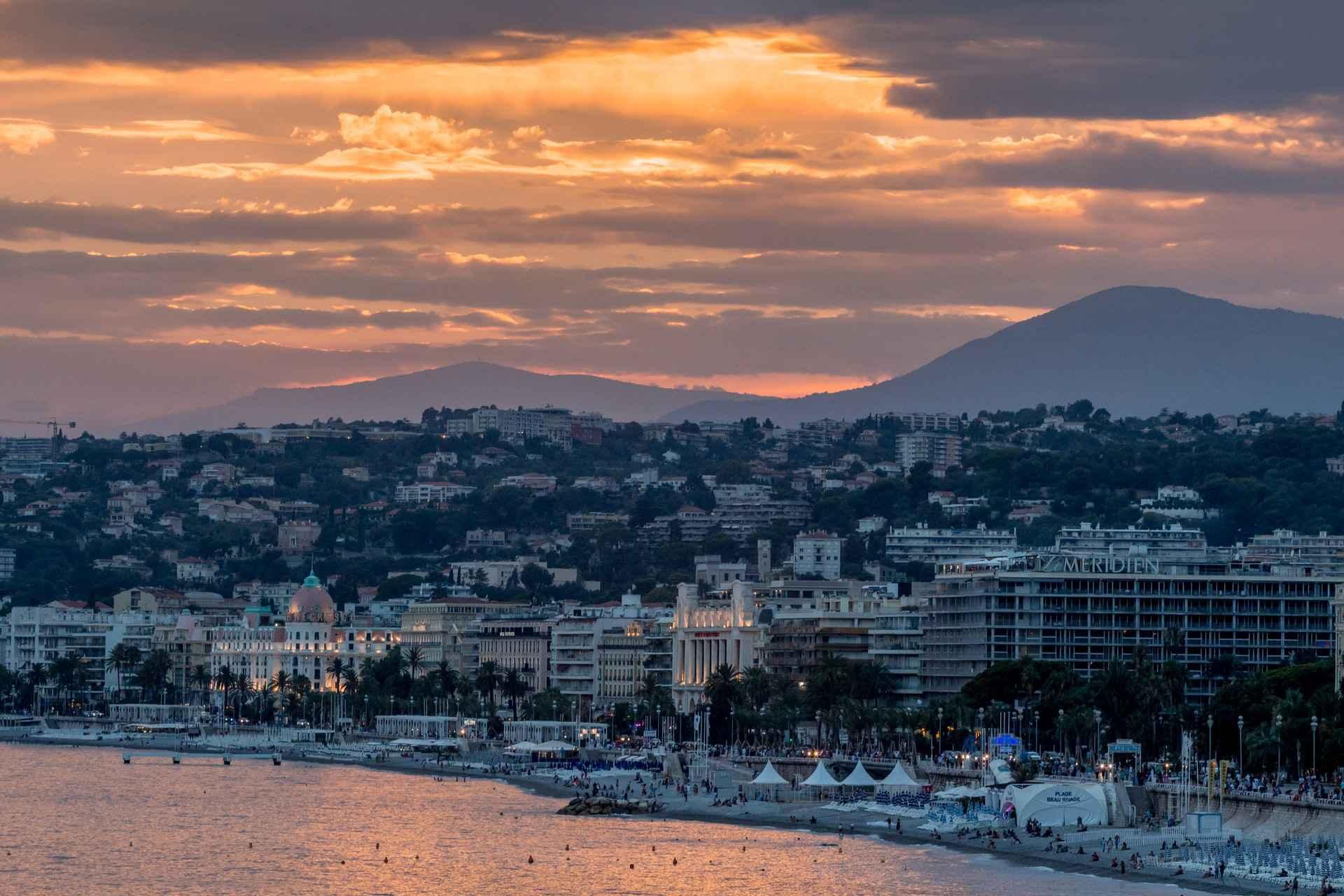 Immobilier Nice : spécificités du marché et conseils pour les investisseurs