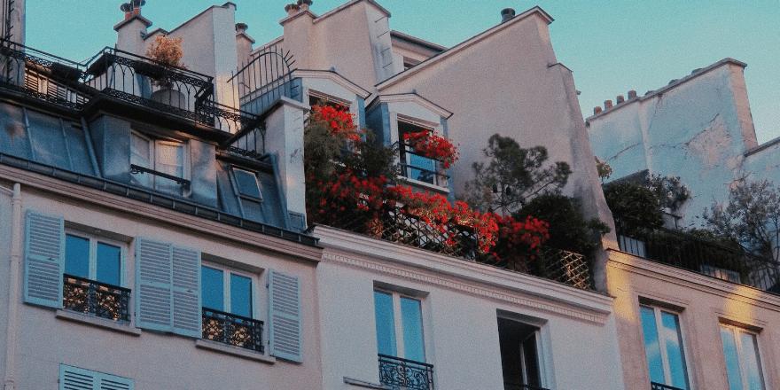 Quel est l'impact d'un étage sur le prix d'un appartement à Paris ?