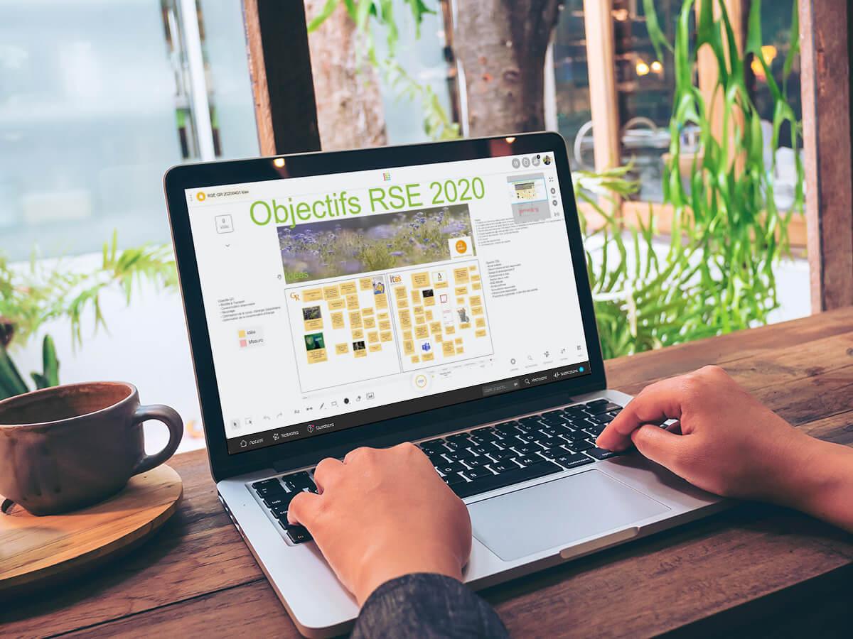 Yannick Tremblais pilote la campagne d'idées de son équipe informatique avec Klaxoon